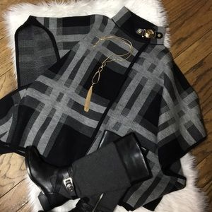 NWT Ann Klein Color Block Poncho Type Sweater Coat